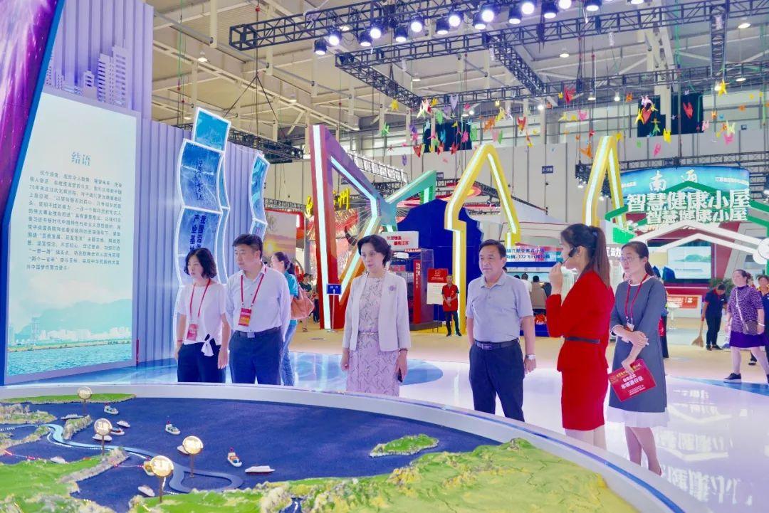 江苏省庆祝新中国成立70周年成就展 连云港展厅精彩纷呈