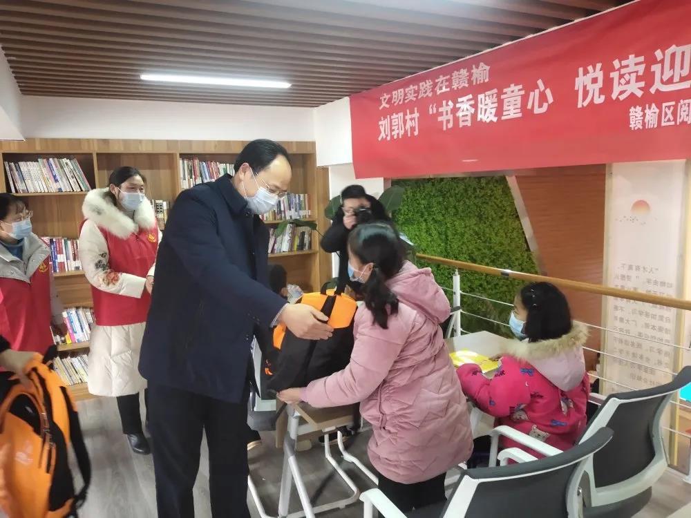 省新闻出版局(省版权局)副局长李贞强一行来我市调研督导